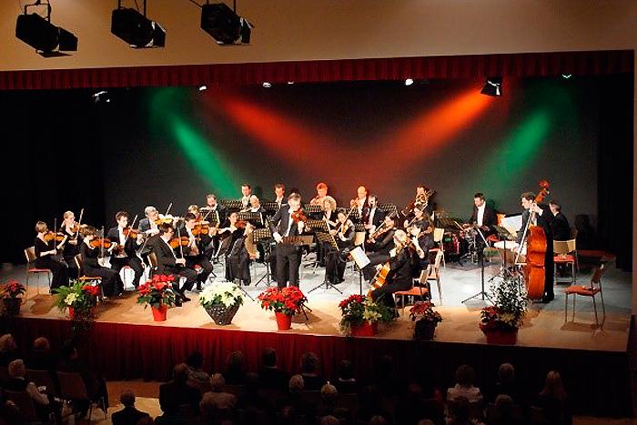 """Neujahrskonzert des Ensemble Neue Streicher – """"Éljen a Magyar!"""""""